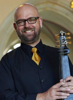 Simon Martyn-Ellis, lute & baroque guitar