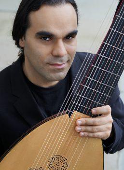 Arash Noori, lute & baroque guitar